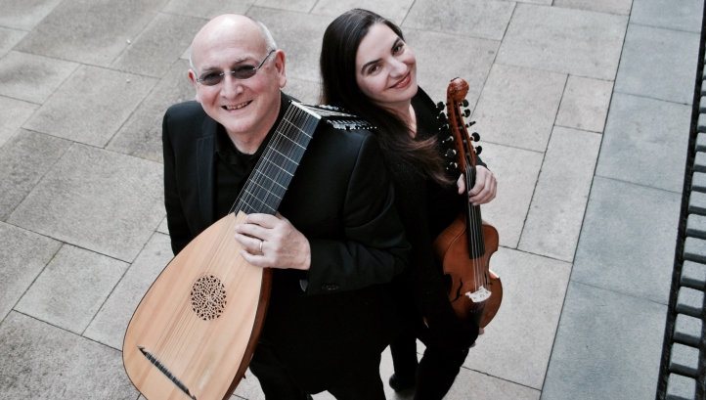 Stephen Stubbs and Tekla Cunningham (photo: Tess Altiveros)