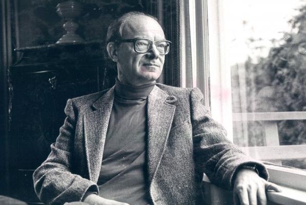 Professor Bela Siki