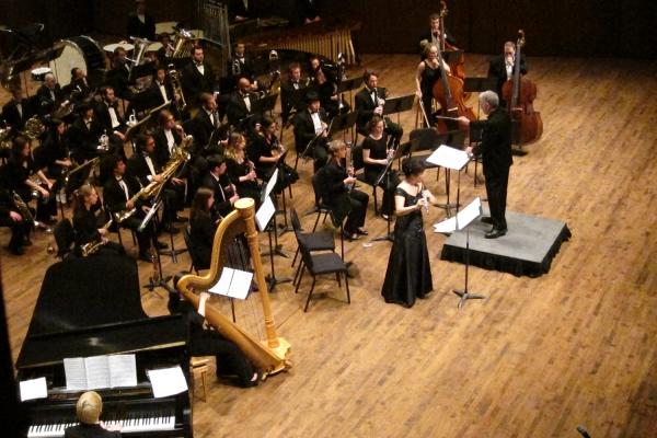 Wind Ensemble with Donna Shin (Photo: Gary Louie).