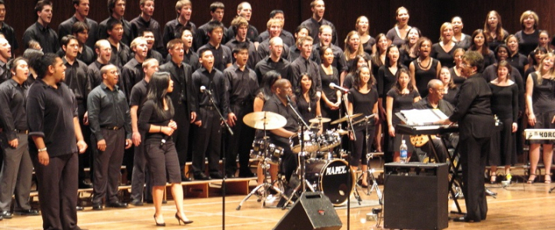 Phyllis Byrdwell conducts the Gospel Choir on Dec. 4 (photo: Gary Louie).