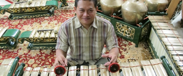 Gamelan musician Heri Purwanto is the Spring Quarter Ethnomusicology Visiting Artist.