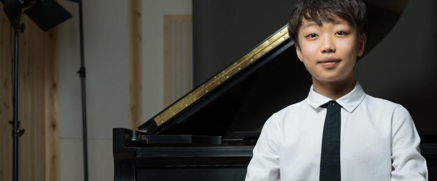 Nathan Hong Lee, piano (photo Matt Dine)