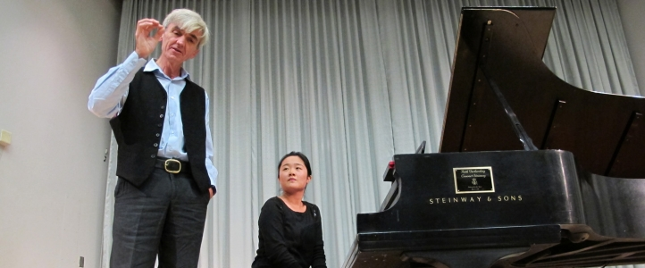 Master class with visiting artist Paul Roberts of the Guildhall School of Music in London.