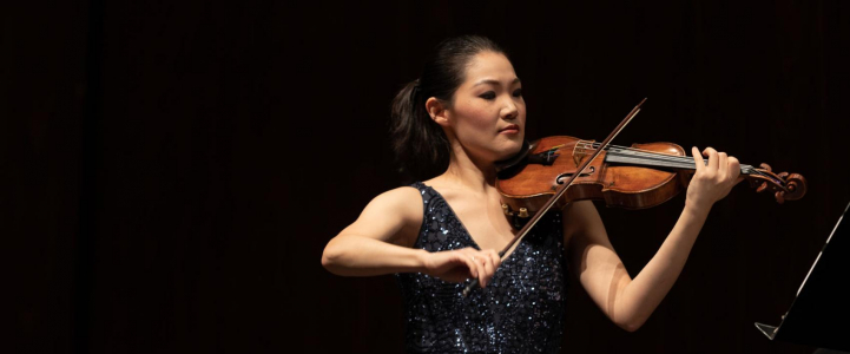 Violinist Rachel Lee Priday (Photo: Sammi Bushman, UW Daily)