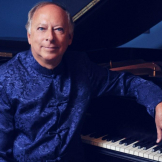 Pianist Barry Snyder