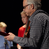 Guitarist Bill Frisell and students
