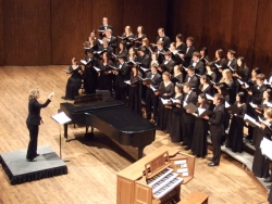 Giselle Wyers conducts the UW Chorale
