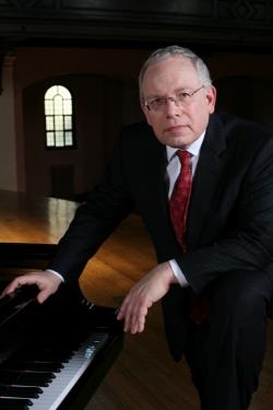 Concert pianist Peter Takács