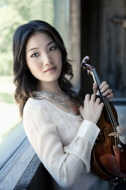Violinist Rachel Lee Priday (Photo: Lisa-Marie Mazzucco)